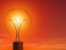 Britai nori sukurti saulės energijos įkrovimo sistemą su PAYG