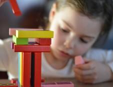 Ieško inovatyvių medžiagų žaislams kurti