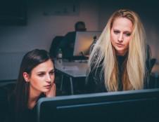 Airių tyrimas atskleidė, kad didžiausia paskata moterims imtis verslo – bendražygių parama