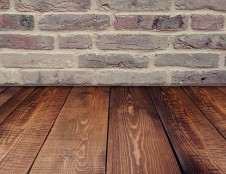 Britai ieško grindų sistemų gamintojų