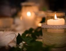 Lenkai ieško žvakių gamintojų