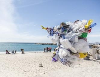 Taivaniečiai ieško švarių atliekų