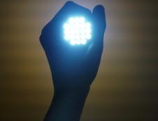 Korėjiečiai ieško medžiagų OLED ekranams gamintojų