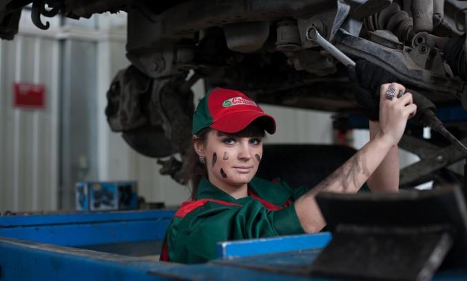 Britai ieško pakylų automobiliams gamintojų