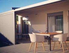 Rumunai ieško aukštos kokybės terasų baldų gamintojų