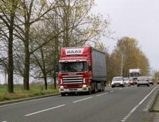 Susisiekimo sektorius siekia mažinti transporto keliamą taršą