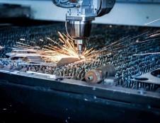 """ES investicijos suteiks galimybę UAB """"Altechna R&D"""" į rinką išleisti dar didesnę pridėtinę vertę kuriančias lazerines stakles"""