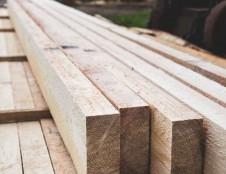 Rumunai ieško daugiasluoksnių medienos profilių tiekėjų