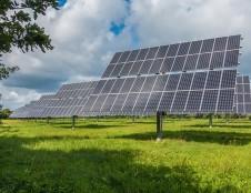 Dėl paramos saulės elektrinėms ir biokuro katilams įsirengti – daugiau nei 10 tūkst. gyventojų prašymų