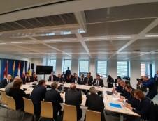 Devyni ministrai ragina Komisiją ištaisyti Mobilumo paketo trūkumus ir išsaugoti ES Žaliąjį kursą