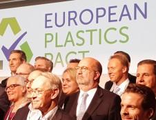 Lietuva pasirašė Europos plastiko paktą