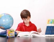 ES šalyse uždarytos beveik visos švietimo įstaigos