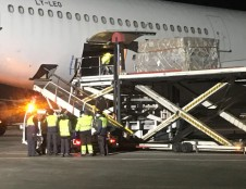 Daugiau nei 50 tonų asmens apsaugos priemonių pasiekė Lietuvos oro uostus