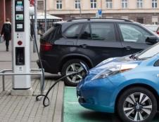 Pirmieji Klimato kaitos programos parama pasinaudos ketinantieji įsigyti elektromobilį ar modernizuoti namą