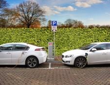 """""""Koinvesticinis fondas"""" investavo į elektromobilių įkrovimo infrastruktūrą plėtojantį startuolį"""