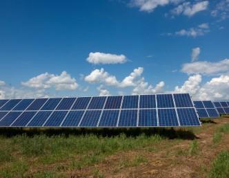 Startuoja nauji kvietimai gyventojams ir verslui saulės elektrinėms įsigyti