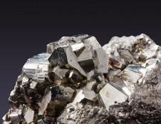 Jungtinės Karalystės pardavimų agentai ieško metalo kalimo gamyklų