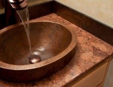 Vengrijos įmonė ieško vonios ir virtuvės santechnikos, baldų ir medinių grindų dangų gamintojų