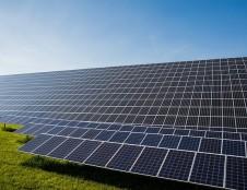 Visagine pradedamas įgyvendinti saulės elektrinių parko projektas