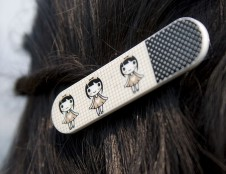 Įmonė iš Prancūzijos ieško partnerių, kurie galėtų padaryti metalinę dalį plaukų segtukams