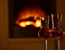 Lenkai ieško alkoholiui skirtų taurių gamintojų/tiekėjų