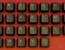 Siekiama, kad įmonių pavadinimai būtų sudaromi visomis lotynų kalbos abėcėlės raidėmis