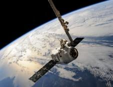 """Ekonomika kosmose: startuolio """"Blackswan"""" technologija padės spręsti problemas orbitoje"""