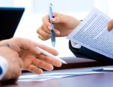 Seimas patvirtino relokacijos paketą trečiųjų šalių įmonių darbuotojams