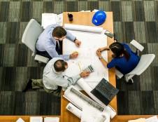 Daugiau kaip 3000 ekspertų iš 70 šalių dirbančių įmonių tarptautinei plėtrai