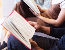 Moksleiviai iš pažeidžiamiausių šeimų į aukštąsias mokyklas įstoja 4 kartus rečiau nei iš labiausiai pasiturinčių